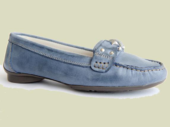 eab3f26425ed8 Zapatos para fabricantes con Marca Privada contamos con nuestro team de  disenadores que crea colecciones personalizadas